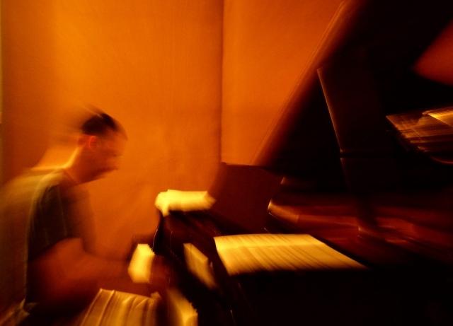 Spiros Deligiannopoulos. At studio. Recording