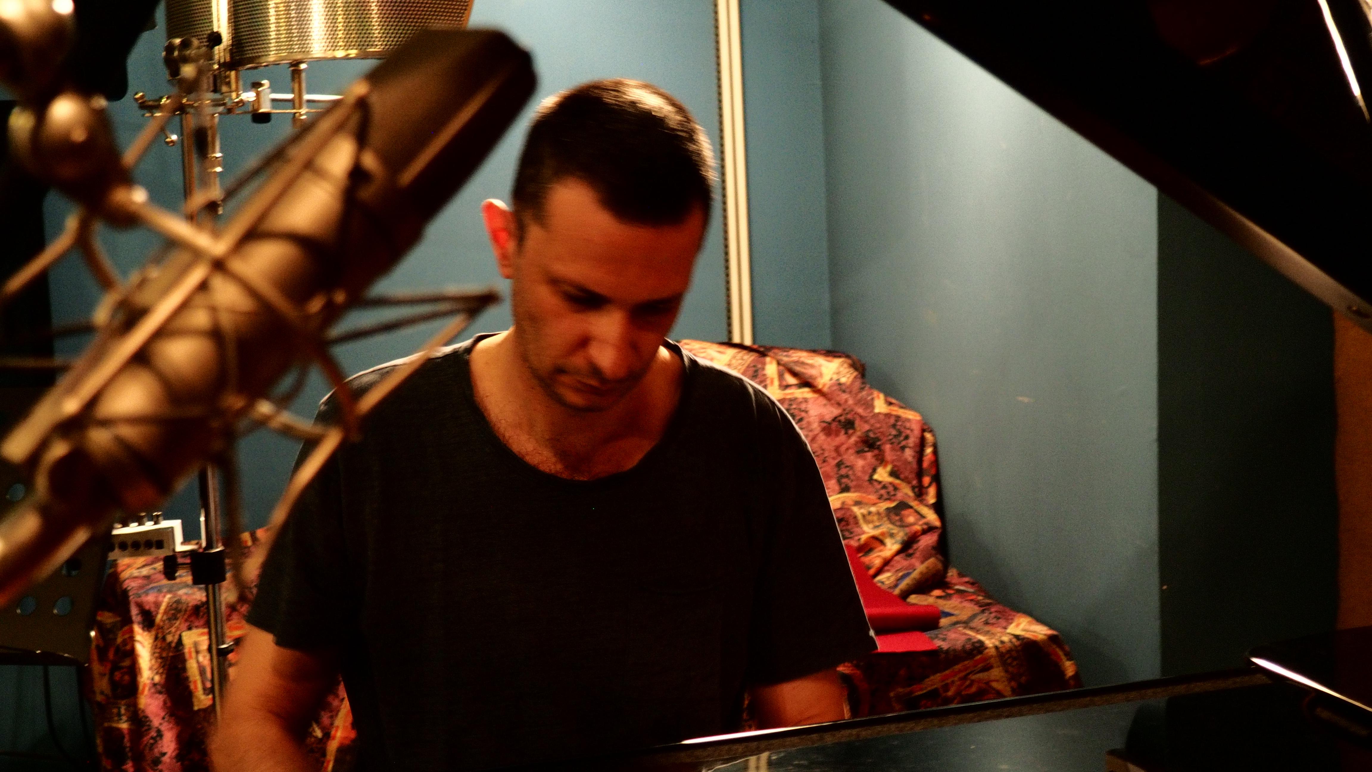 Ο Σπύρος Δεληγιαννόυπολος στο στούντιο