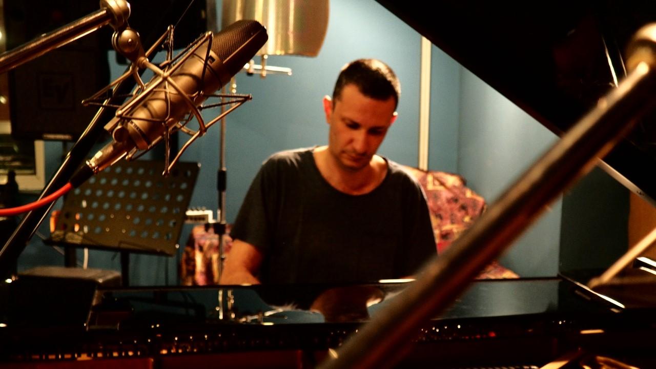 Ο Σπύρος Δεληγιαννόπουλος στο στούντιο του Α.Π.Θ.